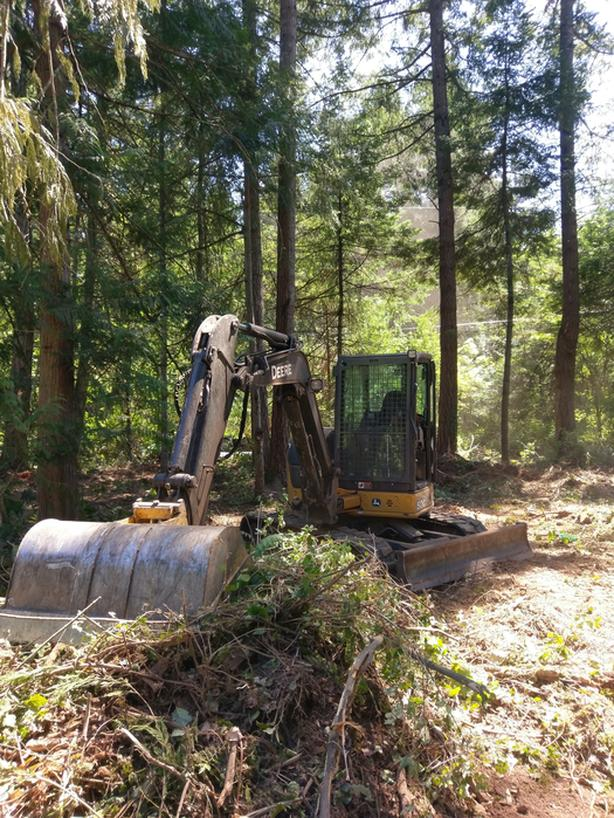 Excavation, Skidsteer and Dump Truck Services - 0% financing available