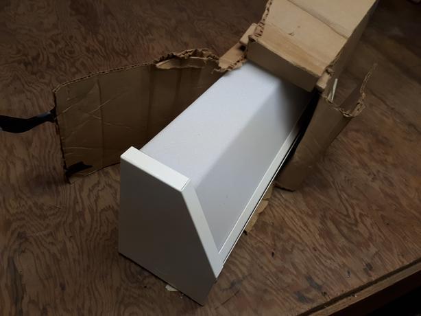 Wall mount florescent fixture