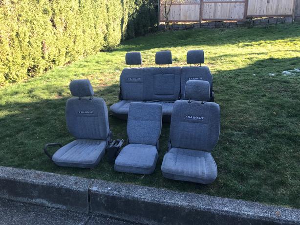 Delica Chamonix Seats l300
