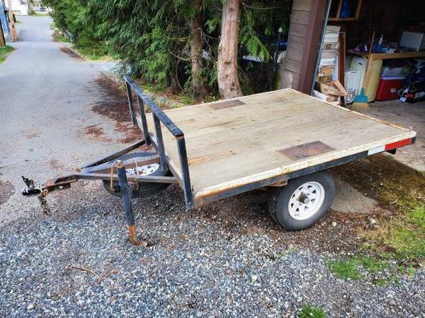 5.5 foot x 6.5 foot deck over trailer