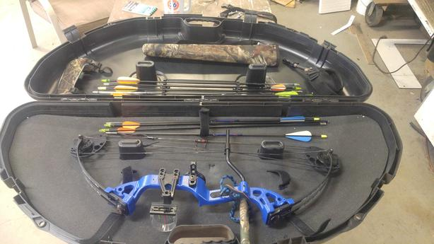 PSE Left Handed Youth/Beginner Compound Bow