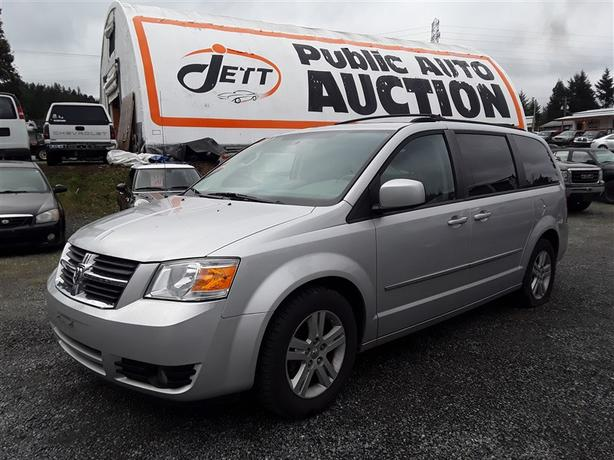 2010 Dodge Grand Caravan low Km unit loaded with features!