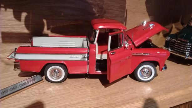 Vintage classic car & truck models