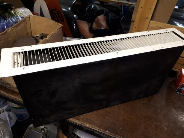 Electric under cabinet kick plate heater