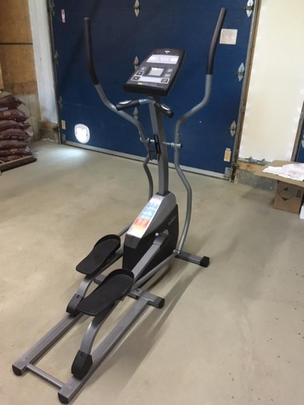 Tempo Elliptical exercise machine