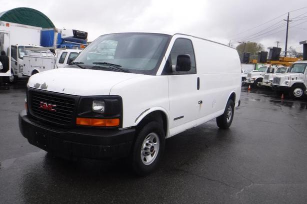 2006 GMC Savana G2500 Cargo Van Rear Shelving