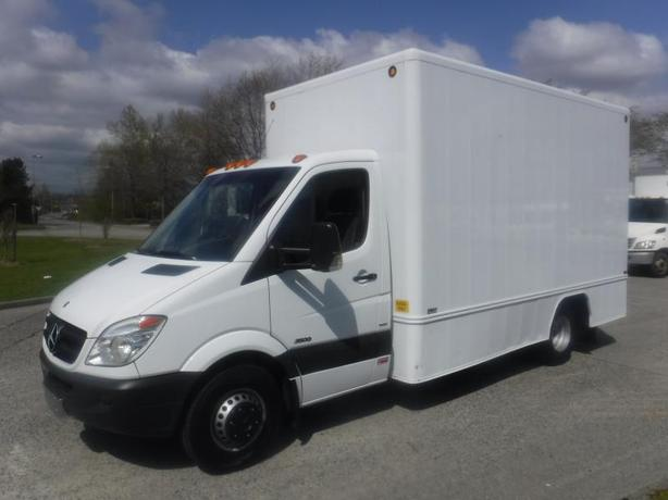 2010 Mercedes-Benz Sprinter 3500 170-in. WB 14 Foot Cube Van Diesel Dually