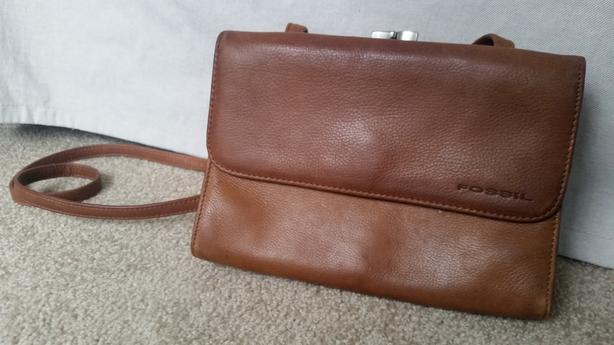 Leather Purse (Fossil) - Like New!
