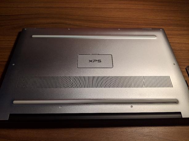 Dell XPS 15 9570 Silver i7 8750h 256GB 8GB Ram GTX 1050Ti