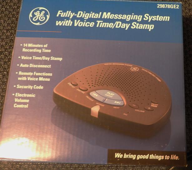 TELEPHONE ANSWERING MACHINE