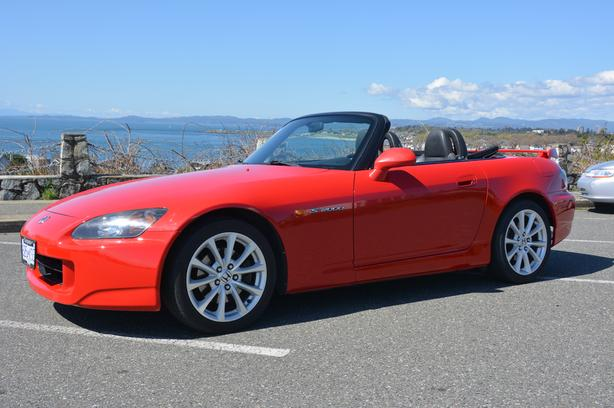  Log In needed $29,500 · Honda S2000 AP2 Roadster, low kms with hardtop