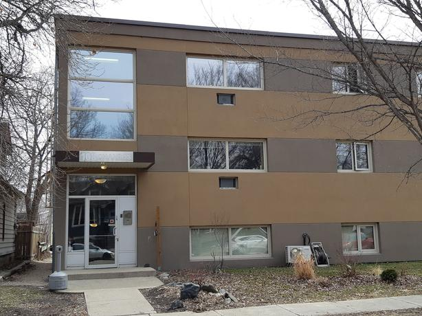 311-108 Chandos Ave - Professionally Marketed by The Judy Lindsay Team