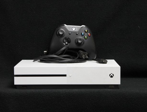 166095-1 White 500gb Xbox One S Victoria City, Victoria
