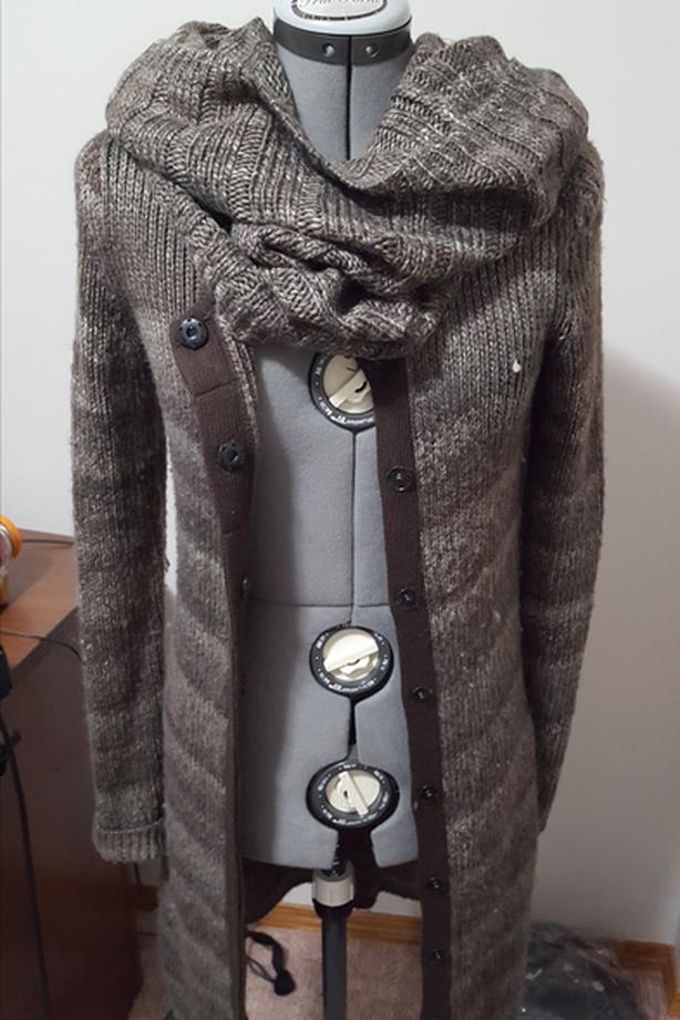 LOT 2 - Ladies Sweaters - XS - S