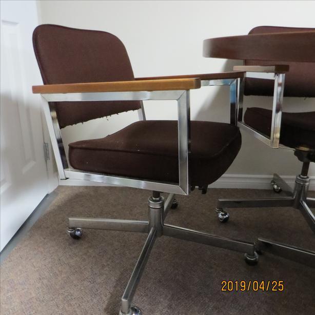 Swivel tilter chairs