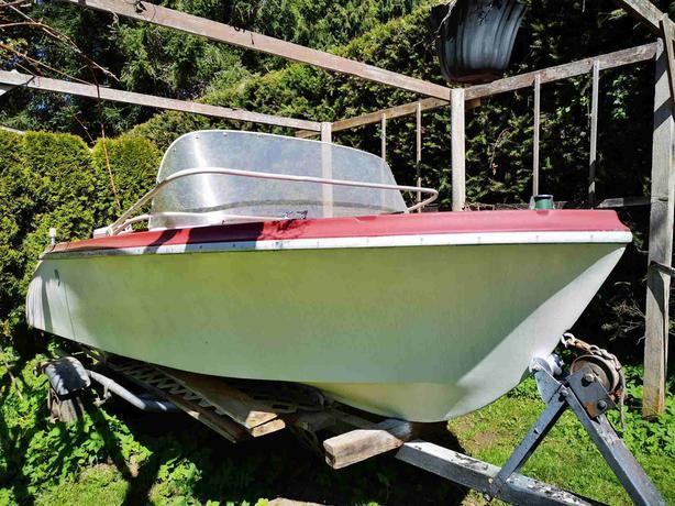 500 14 Ft Fiberglass Boat