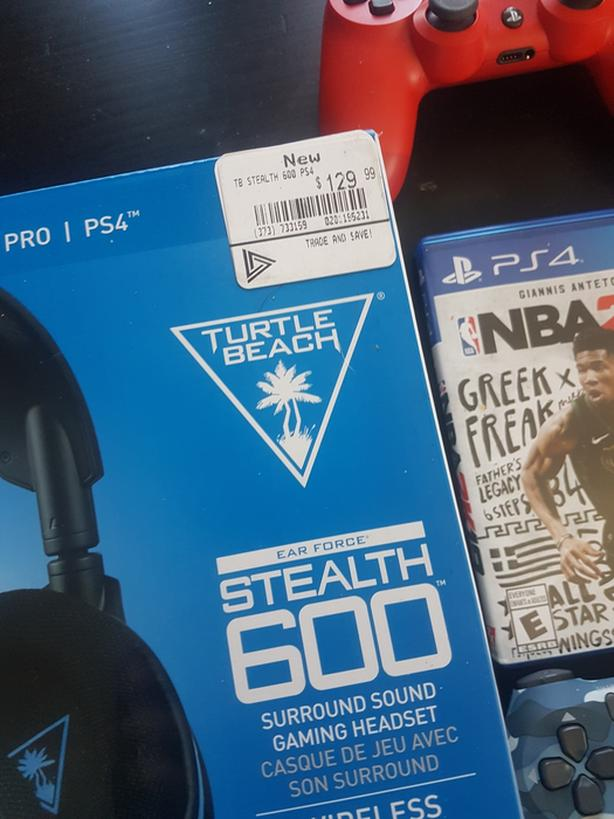 Ps4 controllers, Turtle beach headphones, NBA 2K19