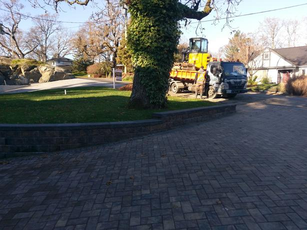 Hardscaping, Pavers and Alan blocks by Greater Victoria Services