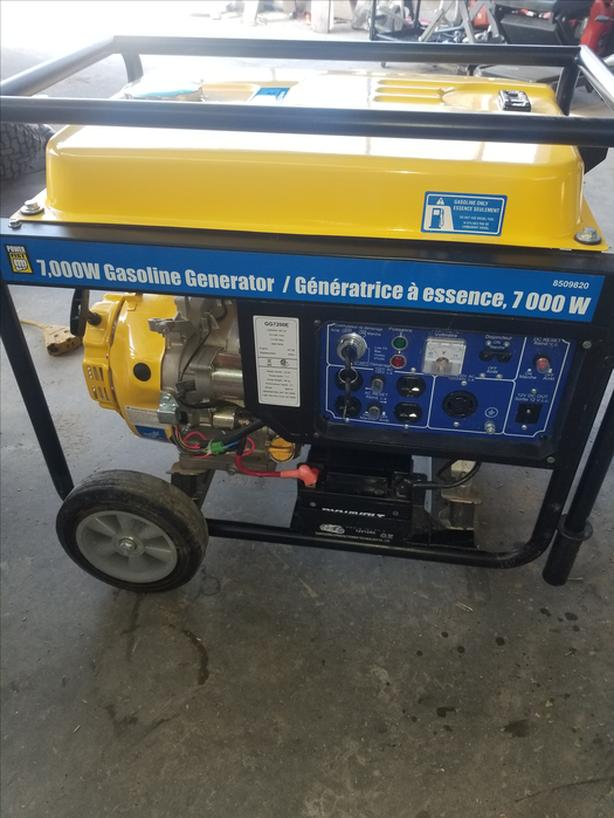 7000 WATT GENERATOR NEW ELECTRIC START