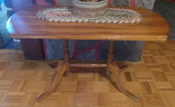 Wondrous Quality Solid Wood Maple Country Trestle Leg Hall Or Sofa Ibusinesslaw Wood Chair Design Ideas Ibusinesslaworg
