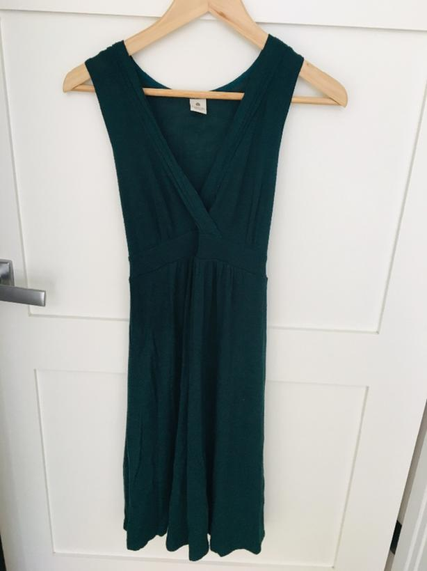 new photos meet cheap Five Maternity Dresses size XS and S Victoria City, Victoria - MOBILE