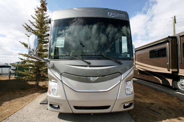 2015 Fleetwood Discovery 40G [ONLY $2,092/MONTH*]