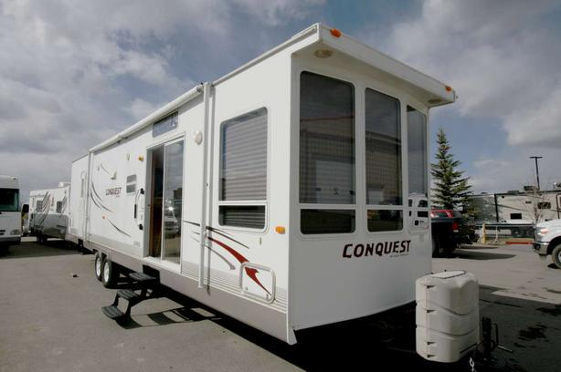 2011 Gulf Stream Conquest 398DLS (PARK MODEL)