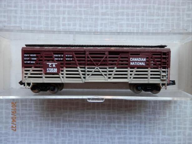 Vintage N Scale Life-Like Canadian National Cattle Car