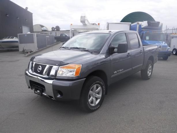 2014 Nissan Titan SV Crew Cab Short Box 4WD