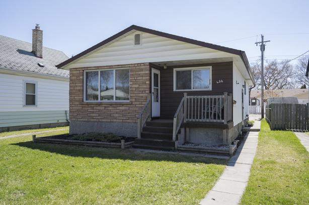 Solid Three Bedroom Bungalow in West Transcona - Jennifer Queen