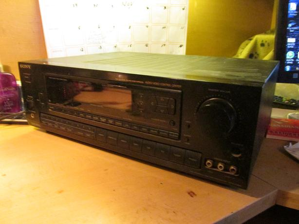 Sony Stereo Receiver  Model STR-D990 w/ remote North Regina