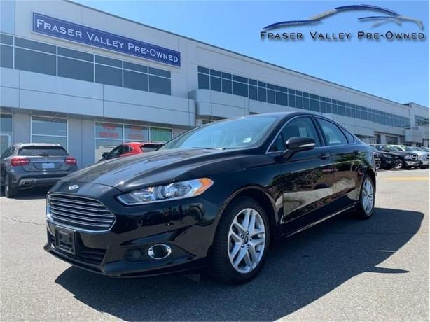 2016 Ford Fusion SE  - Leather - Back-up Cam - Heated Seats