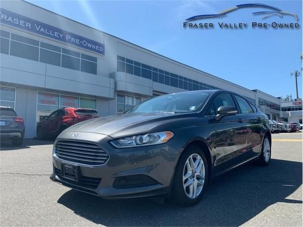 2016 Ford Fusion SE  -Big Screen - Back-Up Cam