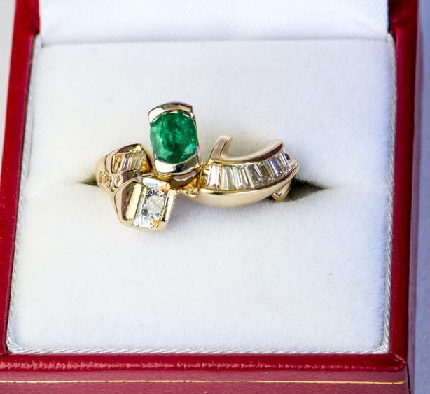 EMERALD & DIAMONDS RING 14K GOLD CUSTOM MADE SIZE 6 1/2