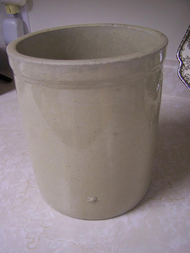  Log In needed $25 · Pottery Crock Pot - NO-Name - Vintage