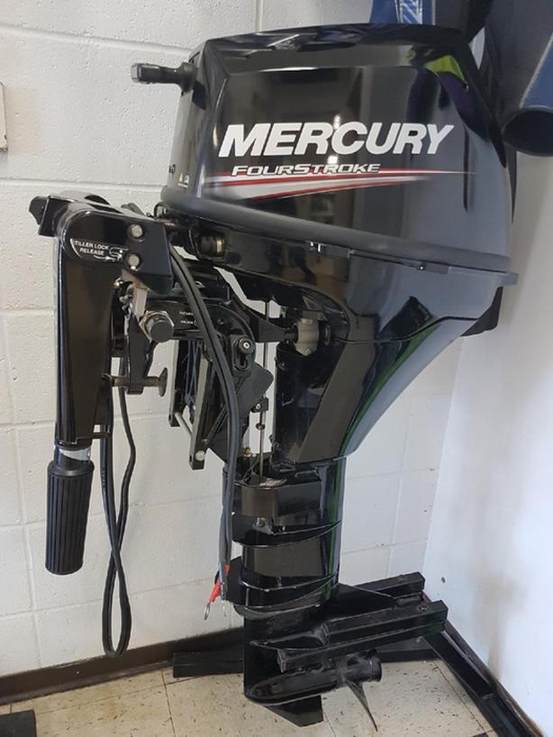 Mercury 9.9 Long shaft Motor