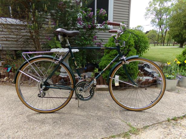 "Time Machine brings bicycle to 2019 - Free Spirit bike ""Greenbriar"""