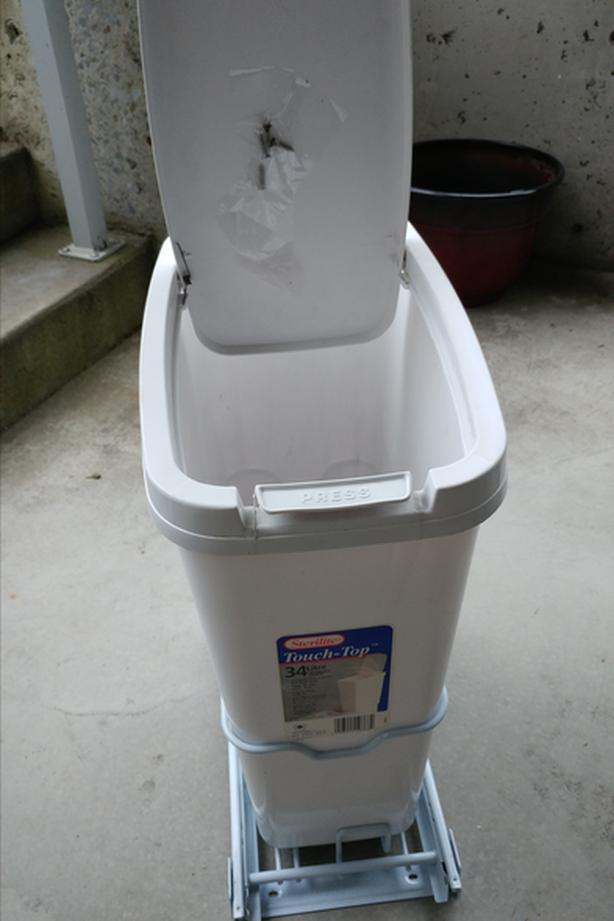 Pull Out Garbage Container