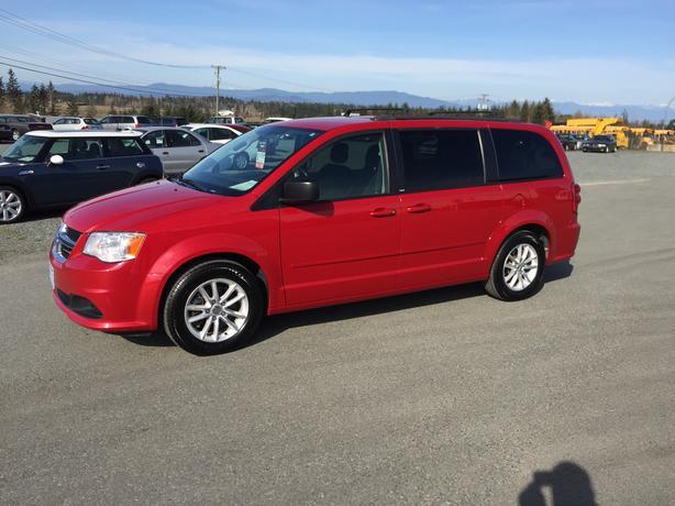 2013 Dodge Grand Caravan SXT, Dual Sliding Doors, Stow'n Go Seats, Local Vehicle