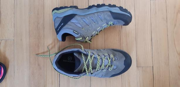 Women's hiking shoes from MEC - size 8