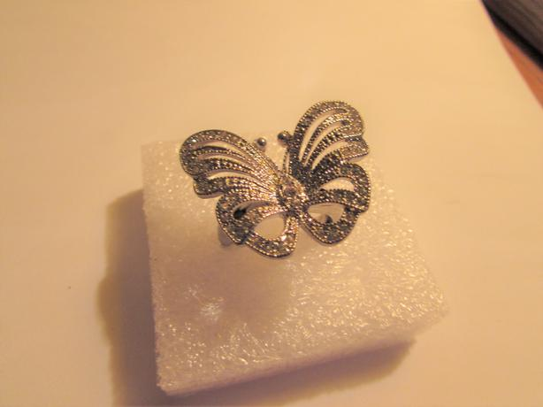 Beautiful Butterfly ring Silver platted size 9
