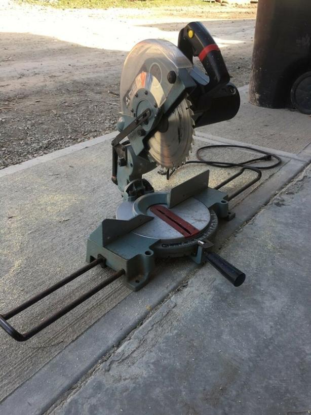 DELTA MS250 Shopmaster 10-Inch Compound Miter saw