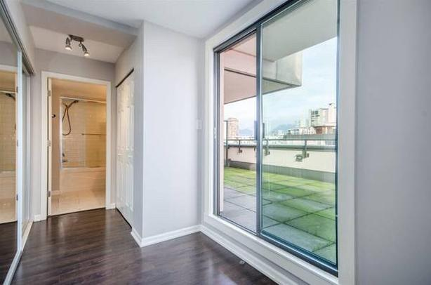 Available Now, 2 Bedrooms 2 baths on Barclays St
