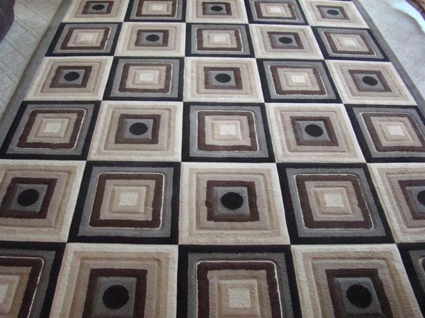EUC Area Rug Carpet 9x12 Beautiful Patterns, No Stain, Pet & Smoke Free