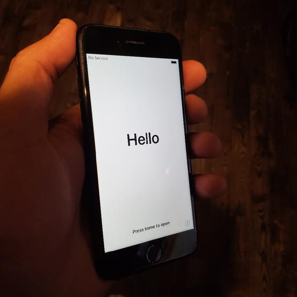 Black Iphone 7 32gb Excellent condition