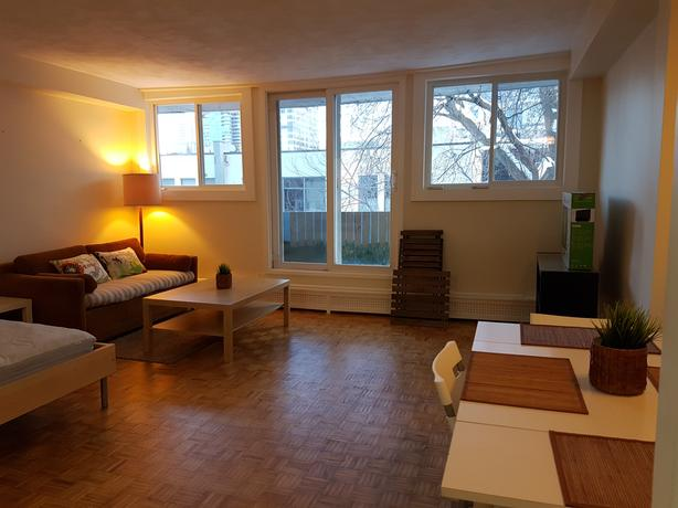 FURNISHED BACHELOR, BYWARD MARKET, DOWNTOWN, AVAILABLE  JULY 1st