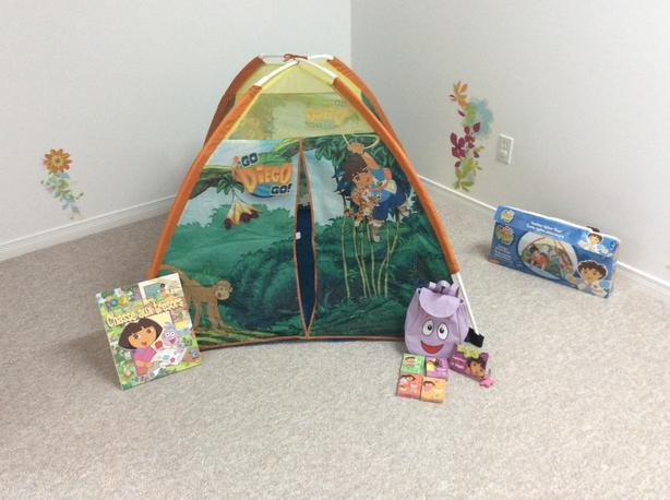 Indoor Igloo tent Dora with Dora bilingual book with backpack and card games