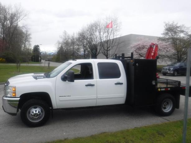 2012 Chevrolet Silverado 3500HD Crew Cab 4WD Flat Deck with Crane