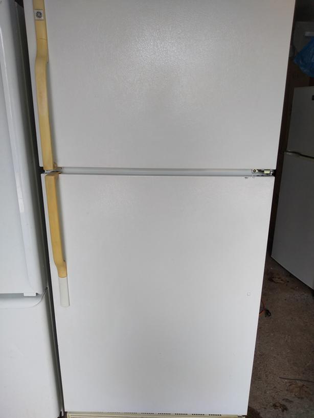 GE fridge and stove