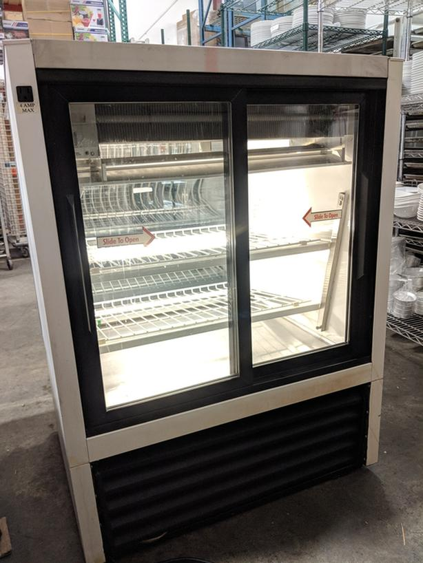 "True 36"" Curved Glass Display Cooler – May 26 Auction"